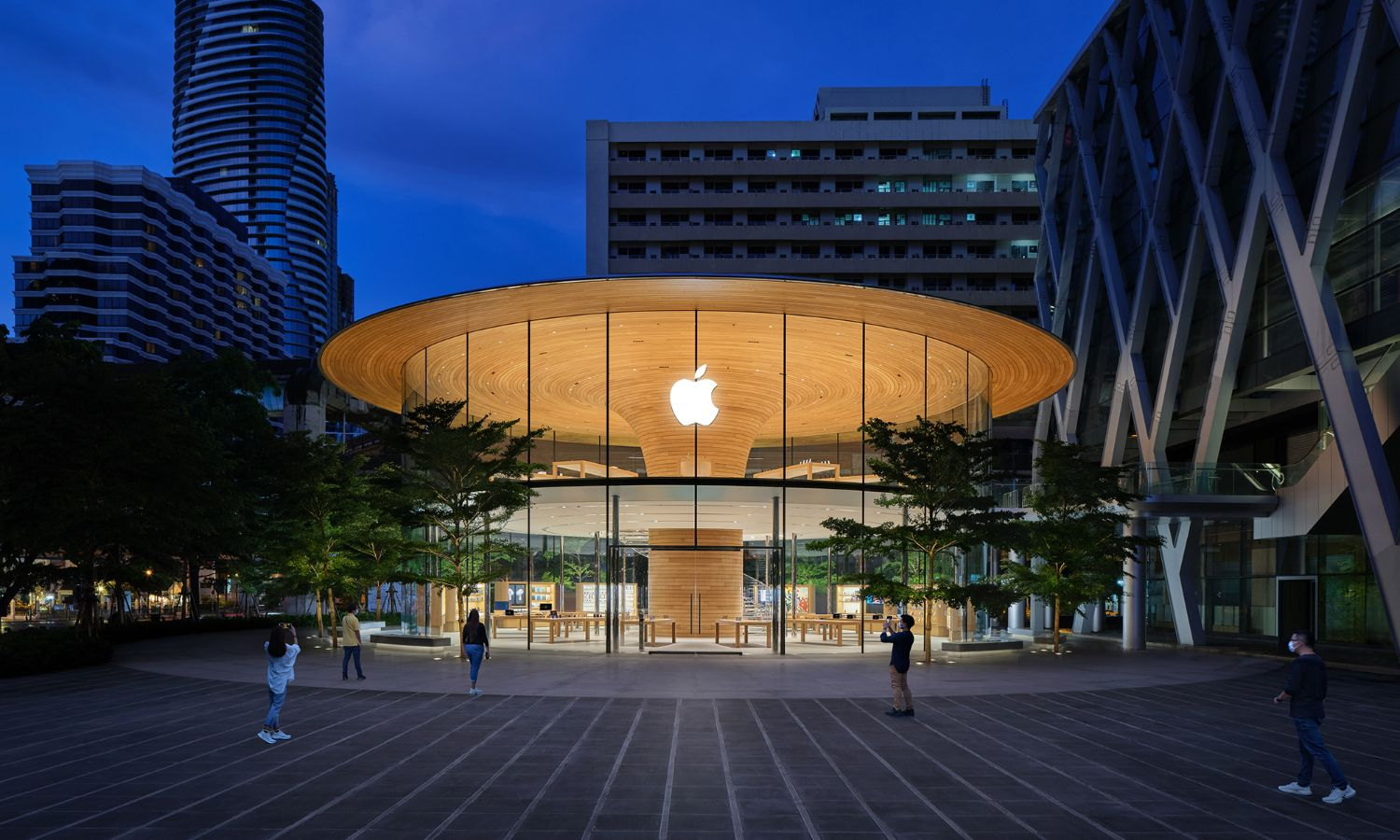 Apple Store Bangkok at night