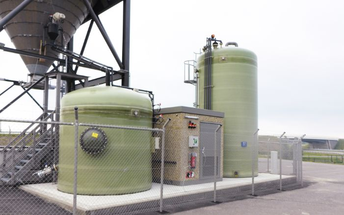 Brine technology and silo system with salt storage depot